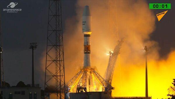 Raketa Sojuz úspěšně odstartovala se šesti britskými satelity - Sputnik Česká republika