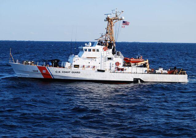 Člun Knight Island pobřežní hlídky Spojených států
