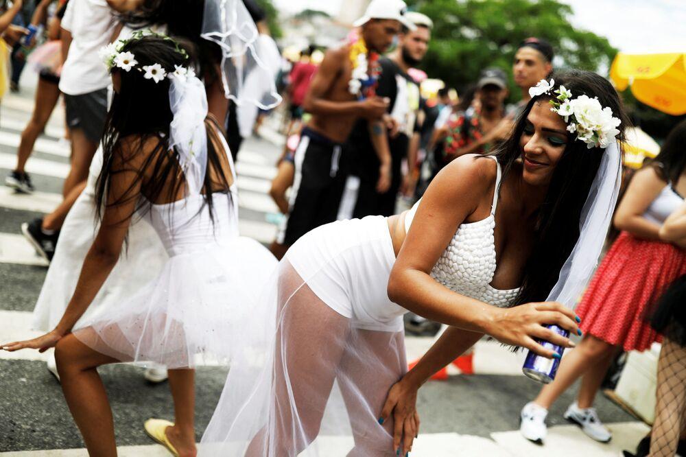 """Účastníci každoroční akce """"Casa Conmigo"""" (Marry me) v Sao Paulo v Brazílii"""