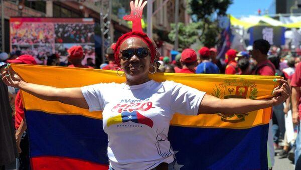 Mítink na podporu venezuelského prezidenta Nicoláse Madura v Caracasu - Sputnik Česká republika