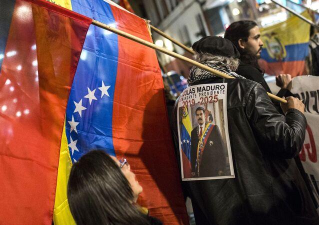 Akce na podporu Nicoláse Madura ve Venezuele