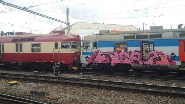 Srážka dvou osobních vlaků u Hlavního nádraží v Brně - Sputnik Česká republika