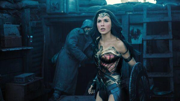 Gal Gadot ve filmu Wonder Woman  - Sputnik Česká republika