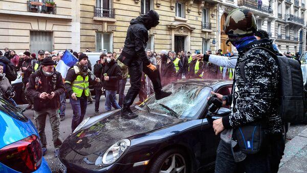 Mítink žlutých vest v Paříži - Sputnik Česká republika
