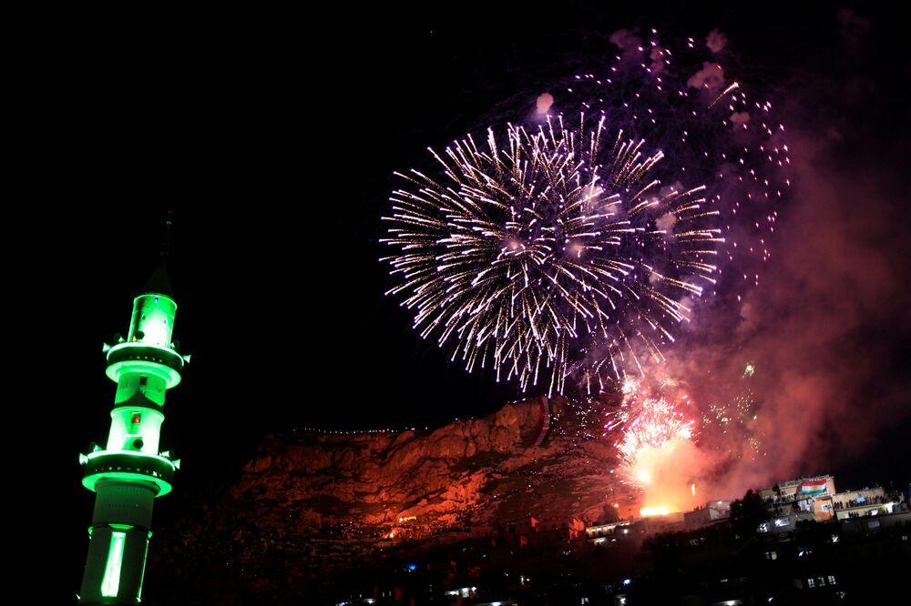 Ohňostroj na počest oslav Nourúzu v Iráku.