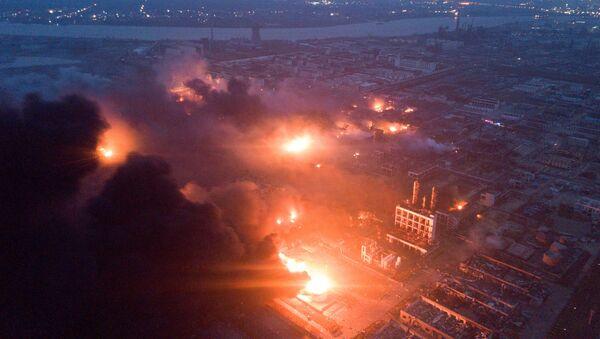 Výbuch chemického závodu v Jen-čcheng - Sputnik Česká republika