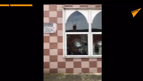 V anglickém městě bylo zničeno pět mešit za noc. Video z místa incidentu - Sputnik Česká republika
