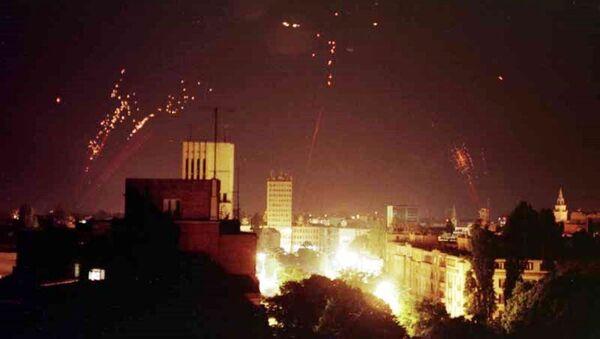 Jugoslávská protivzdušná obrana se snaží sestřelit americké letouny - Sputnik Česká republika
