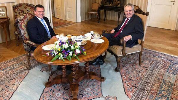 Slovenský kandidát na post prezidenta Maroš Šefčovič se setkal s prezidentem ČR Milošem Zemanem - Sputnik Česká republika