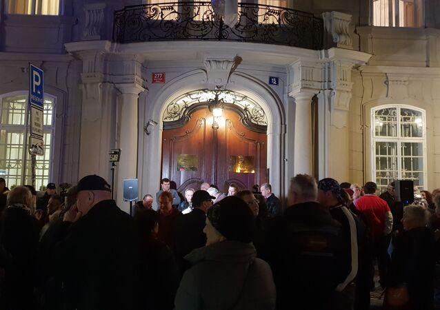 Demonstrace před srbským velvyslanectvím v Praze 24-3-2019