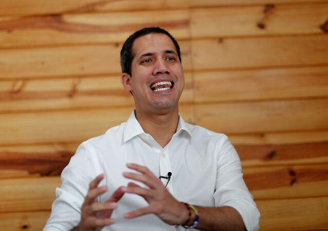 Opoziční vůdce Juan Guaidó