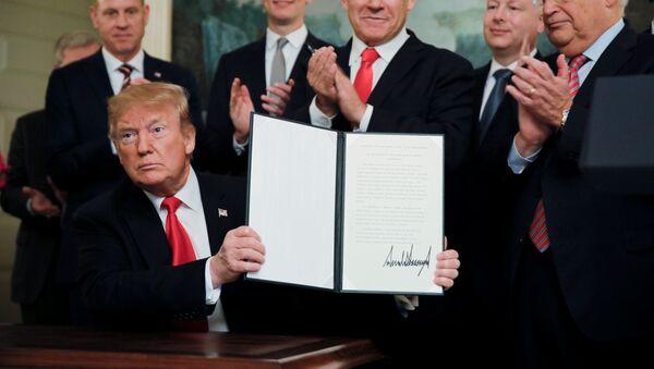 Trump uznal svrchovanost Izraele nad spornými Golanskými výšinami - Sputnik Česká republika