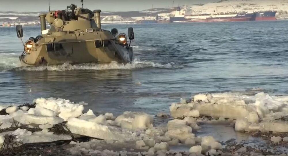 Viděli jste mařiňáky v akci? Koukněte se na jejich přípravu na soutěž Mořský výsadek Army 2019