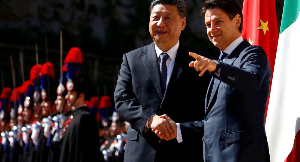Prezident ČLR Si Ťin-pching a italský premiér Giuseppe Conte