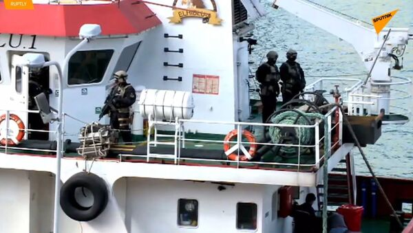 Zkrocení migranti: Unesená loď připlula na Maltu pod kontrolou ozbrojených sil  - Sputnik Česká republika