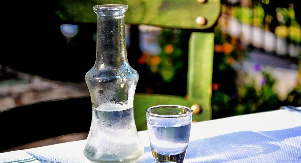 Alkohol na stole
