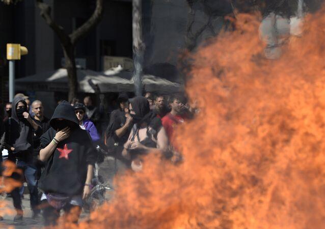 Nepokoje během demonstrací levicových radikálů