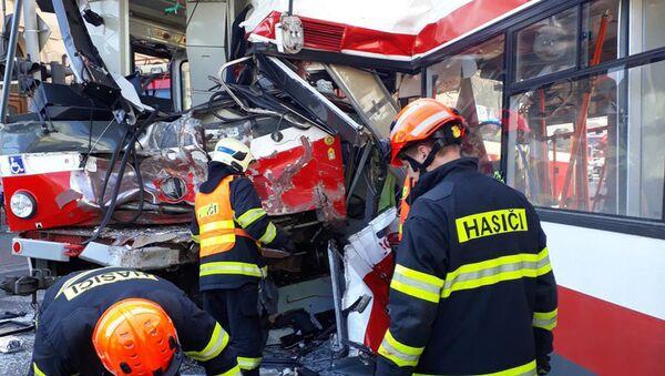 Трамвай и троллейбус столкнулись в Брно, Чехия - Sputnik Česká republika