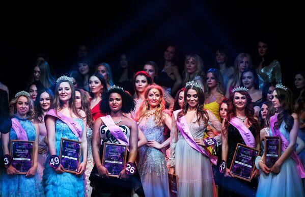 Vítězky soutěže krásy Miss International Mini 2019 na slavnostním předávání cen v Moskvě - Sputnik Česká republika