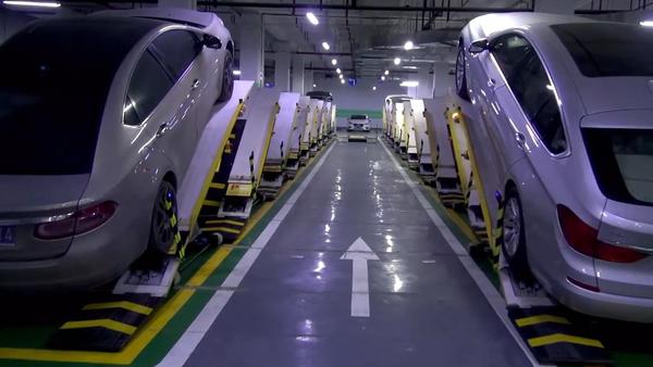 Konečně byl vynalezen způsob řešení problému s parkováním! (VIDEO)  - Sputnik Česká republika