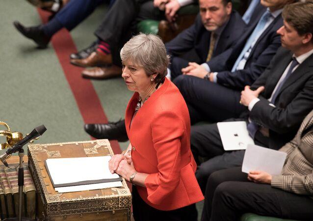 Premiérka Theresa Mayová během hlasování o brexitu, 12. března 2019