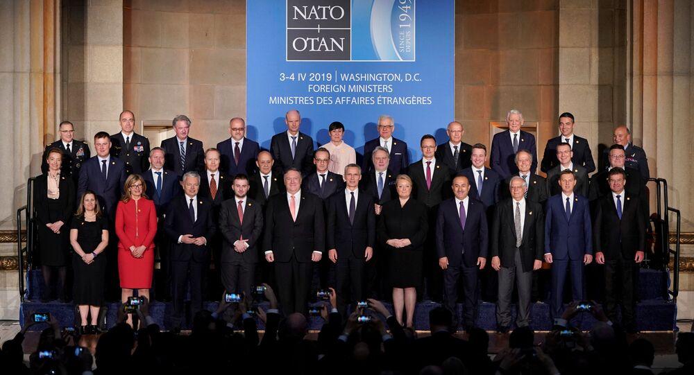 Zasedání rady na úrovni ministrů zahraničí členských zemí NATO ve Washingtonu 3. dubna 2019