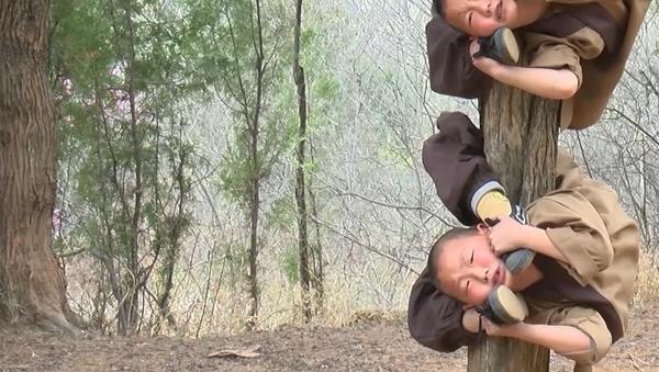 Nejohebnější mnichové předvádějí podivuhodné věci (VIDEO)  - Sputnik Česká republika