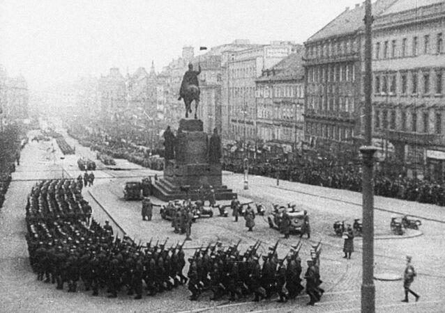 Hitlerova vojska na Václavském náměstí, Praha, 1939
