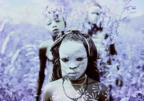 Snímek Boys od fotografa Brendana E Kahna, zvýrazněný v kategorii Infrared Portrait v soutěži infračervených fotografií Život v jiném světle - Sputnik Česká republika