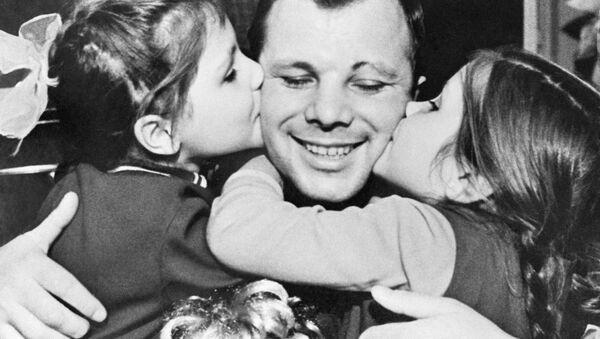 Gagarin a jeho dcery - Sputnik Česká republika