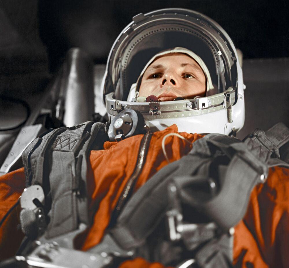 Jurij Gagarin v kabině kosmické lodi Vostok 1