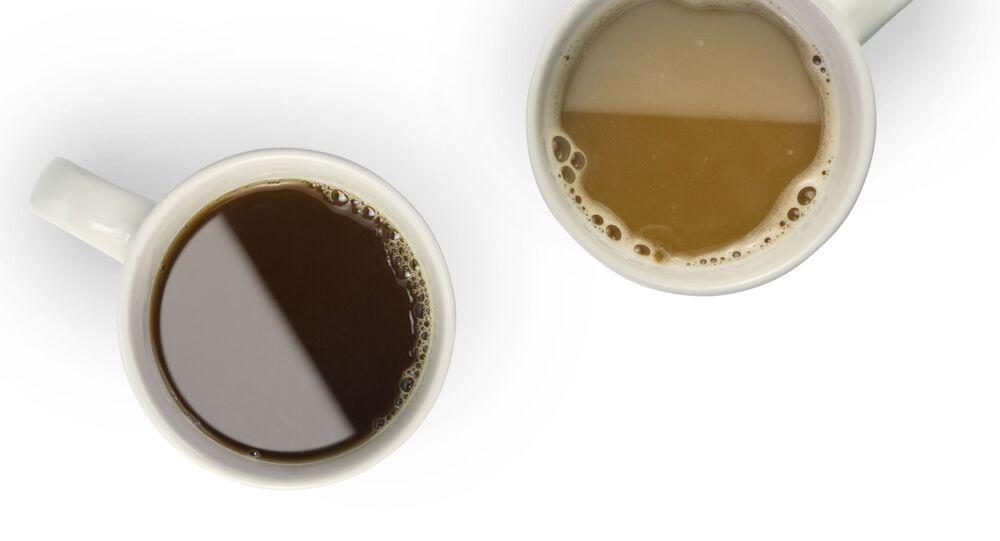 Hrnečky s kávou a čajem