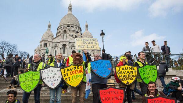 Akce protestu žlutých vest v Paříži - Sputnik Česká republika