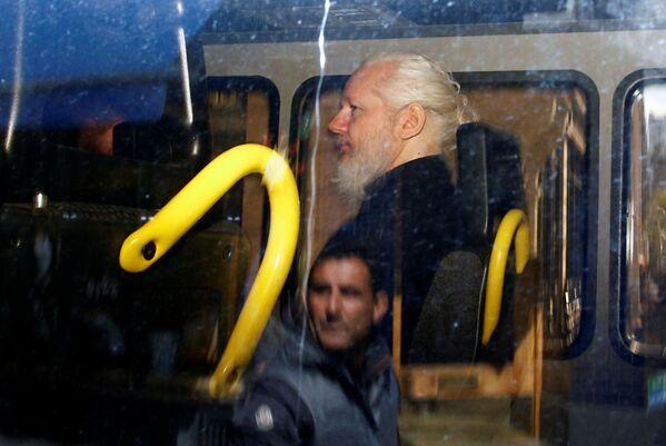 Zadržení zakladatele WikiLeaks Juliana Assange na ekvádorském velvyslanectví v Londýně - Sputnik Česká republika