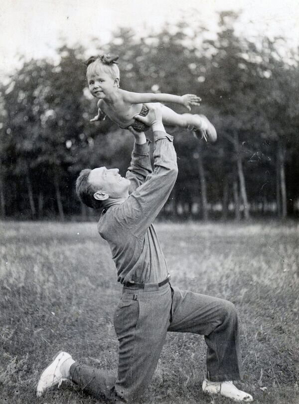 Otcové, manželé a … vojevůdci. Exkluzivní snímky významných sovětských vojenských velitelů - Sputnik Česká republika
