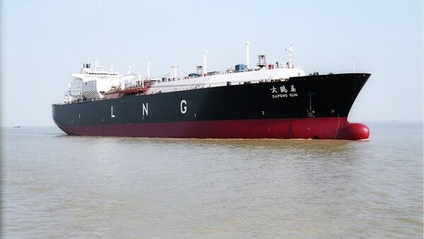 Čínský tanker k přepravě zkapalněného plynu. Ilustrační foto - Sputnik Česká republika