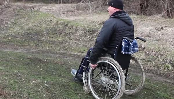 Dojemný příběh, jak celé Rusko sbírá peníze samotnému mladému invalidovi na dům (VIDEO) - Sputnik Česká republika