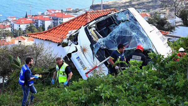 Na místě nehody autobusu na portugalském ostrově Madeira - Sputnik Česká republika