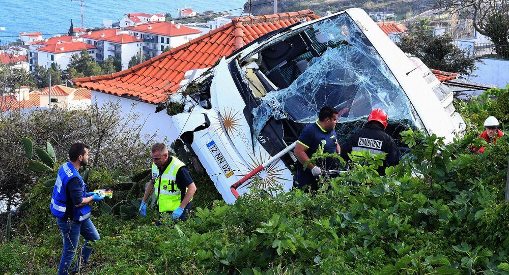 Na místě nehody autobusu na portugalském ostrově Madeira