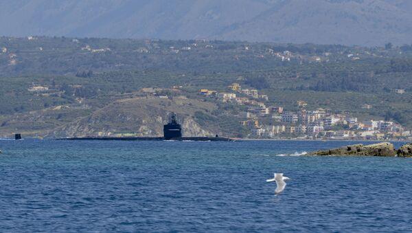 Americká jaderná ponorka Newport News u řeckého pobřeží - Sputnik Česká republika