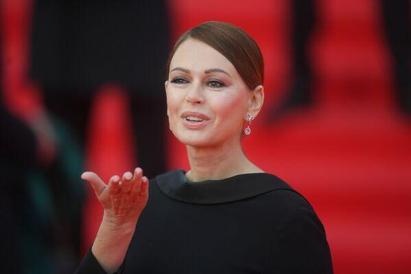 Hvězdy na červeném koberci. V Moskvě byl slavnostně zahájen mezinárodní filmový festival - Sputnik Česká republika