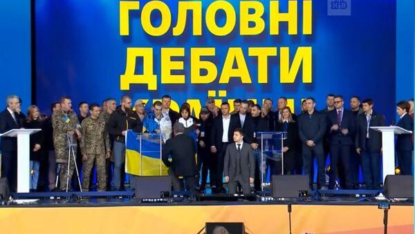 Ukrajinský prezident Petro Porošenko a Volodymyr Zelenský - Sputnik Česká republika