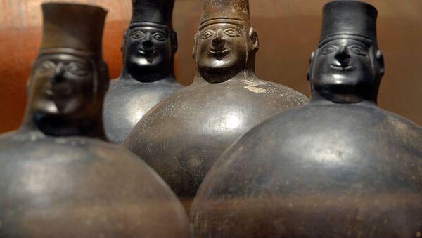 Keramické nádobky z doby Staré Huarijské říše - Sputnik Česká republika