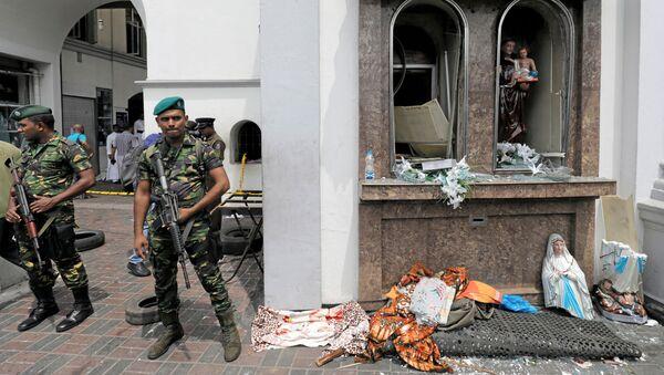 Vojáci na místě výbuchu v Kolombu na Srí Lance - Sputnik Česká republika