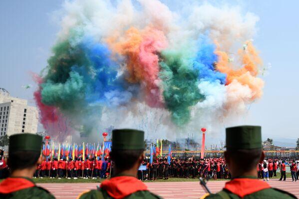 Vojenská přehlídka na počest 30. výročí příměří barmské armády ve státě Wa - Sputnik Česká republika