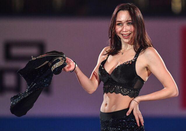 Elizaveta Tuktamyševa se účastní představení na Mistrovství světa v krasobruslení ve městě Fukuoka.