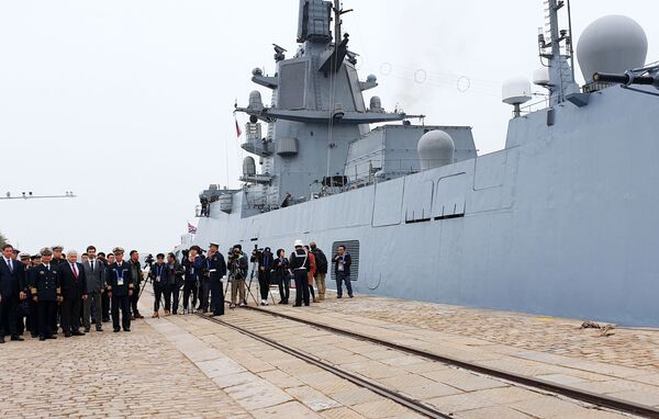 Admirál Loďstva Sovětského svazu Gorškov v čínském přístavu Čching-tao. - Sputnik Česká republika