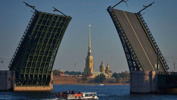 Zvedání mostů v Petrohradě - Sputnik Česká republika