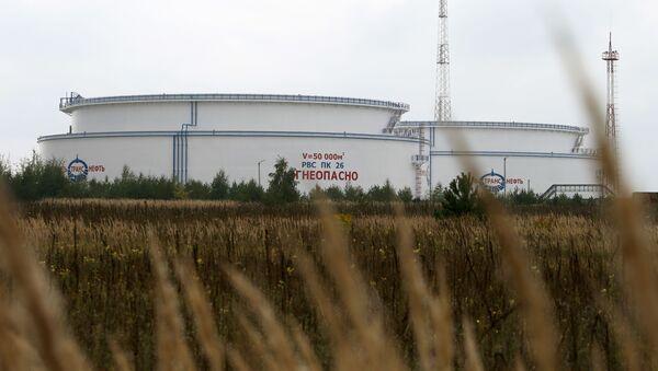 Nádrž pro ropovod Družba v Bělorusku - Sputnik Česká republika