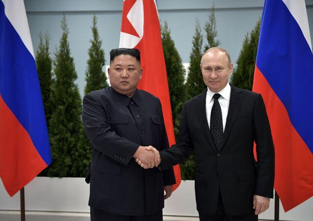Vůdce KLDR Kim Čong-un a ruský prezident Vladimir Putin